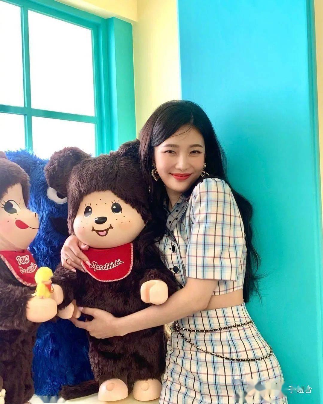 韩网友认为最适合这位女团爱豆的发型,美女气质百分百凸显!