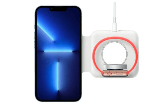 带保护壳的苹果 iPhone 13 Pro 无法与 MagSafe Duo 充电器贴合